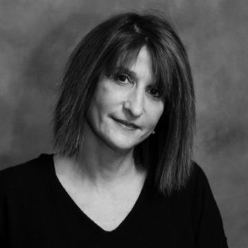 Photo of designer Amy Weinstein