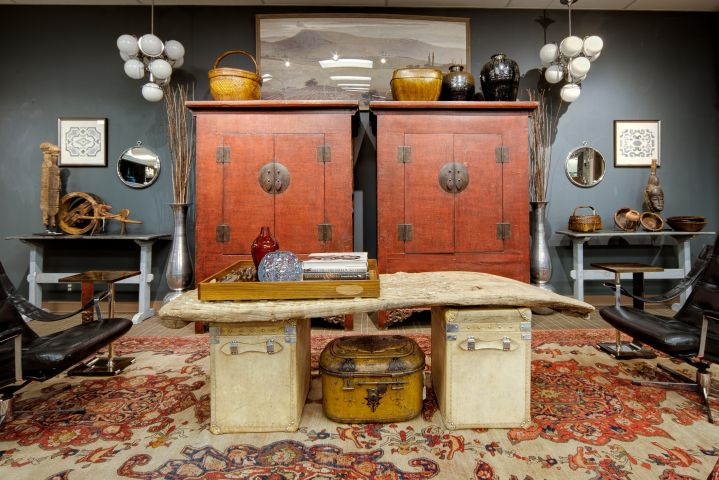 Photo of Robert Zebrowski - Dec. 2013 accessory display at Judy Frankel Antiques